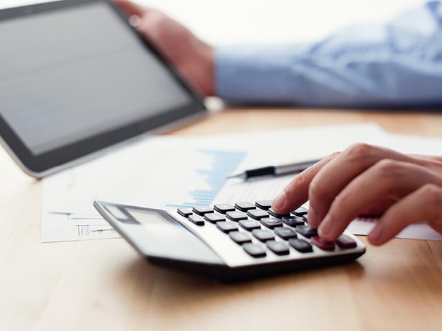 Hvad er forskellen på regnskab og økonomistyring?